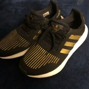 Men's Black and Gold Adidas Shoe Sneakers